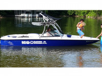 2000 Moomba with Ascent Wakeboard Tower