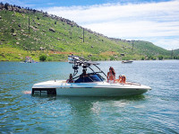 1998 Tige pre2200v with Assault Wakeboard Tower