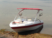 1994 Four Winns 180 Horizon SE with Assault Wakeboard Tower
