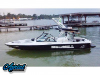 2000 Moomba Outback with FreeRide Wakeboard Tower