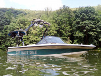 1995 Ski Nautique Signature Edition  with FreeRide Tower