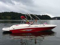 2005 Rinker Captiva 212 with Airborne Tower