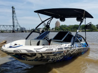 2000 Bayliner Capri with Assault Wakeboard Tower