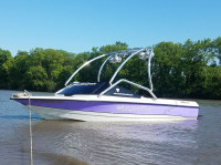 1996 MasterCraft ProStar 190 with Airborne Wakeboard Tower
