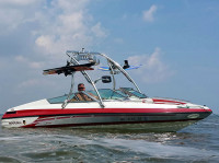 1994 Mariah 202 Shabah  with Ascent Wakeboard Tower