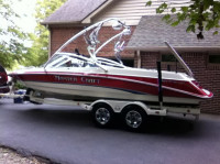 1994 MasterCraft Maristar 225 with Assault Wakeboard Tower