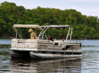 2000 Sun Tracker Party Barge with F250 Pontoon Tower