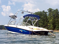 2006 Bayliner 175 wakeboard tower with accessories