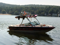 1990 Chaparral XL175 wakeboard tower and accessories