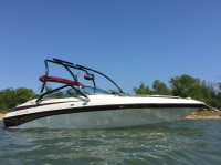 2000 Crownline 202BR with Airborne Wakeboard Tower